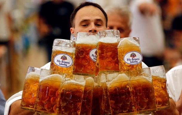 Фізики розібралися, чому пиво стійке до проливання