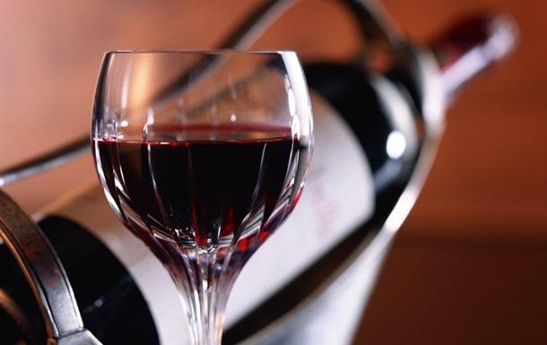 В России предложили запретить французские вина из-за Мистралей