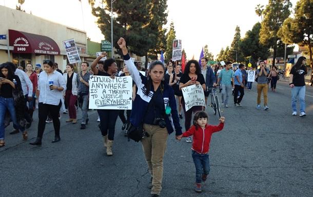 В США растут протесты в поддержку жителей Фергюсона