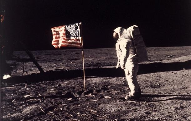 """Результат пошуку зображень за запитом """"первый человек на луне"""""""