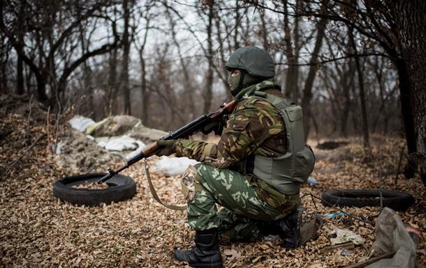 На Луганщине солдаты обстреляли автомобиль с военными, есть жертвы
