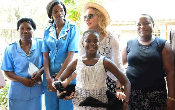 Мадонна побудує в Африці лікарню для дітей