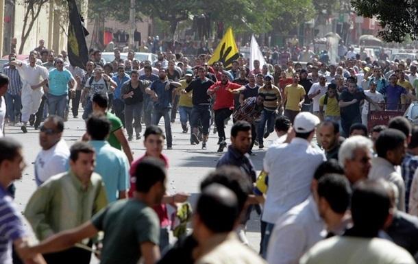 В результате столкновений полиции и протестующих в Каире погиб один человек