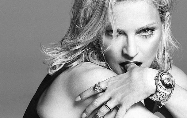 Мадонна стала обличчям Versace