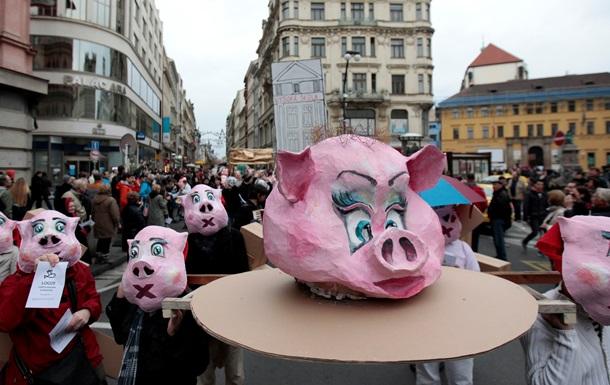 Корреспондент: Східна Європа опинилася на порозі масових протестів