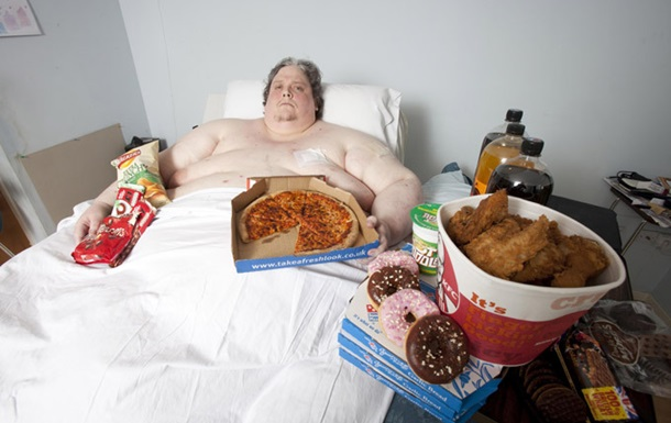 Самый толстый человек на планете умер от пневмонии