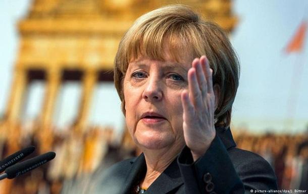 НАТО в разі конфлікту з Росією допоможе країнам Балтії - Меркель