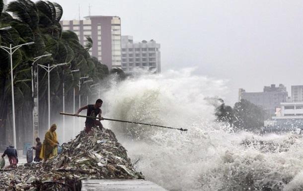 Понад 1 млн осіб евакуйовано на Філіппінах через тайфун
