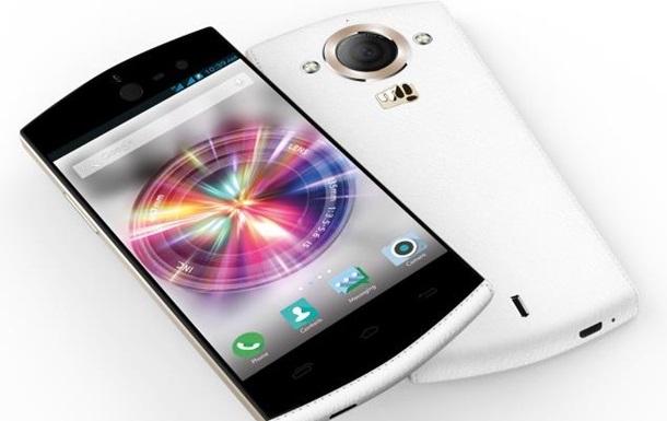 Ідеальний для селфі: індуси представили новий смартфон Canvas Selfie