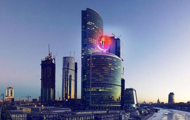 РПЦ назвала Око Саурона в Москві  демонічним символом
