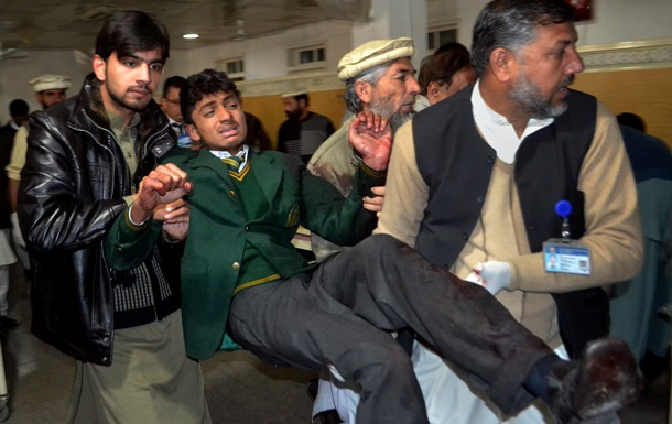 Підсумки 16 грудня: Турчинов став главою РНБО і атака на школу в Пакистані