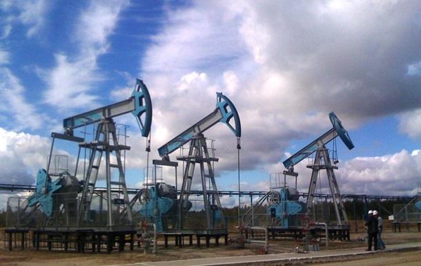 Ціни на нафту знижуються на статданих щодо запасів у США