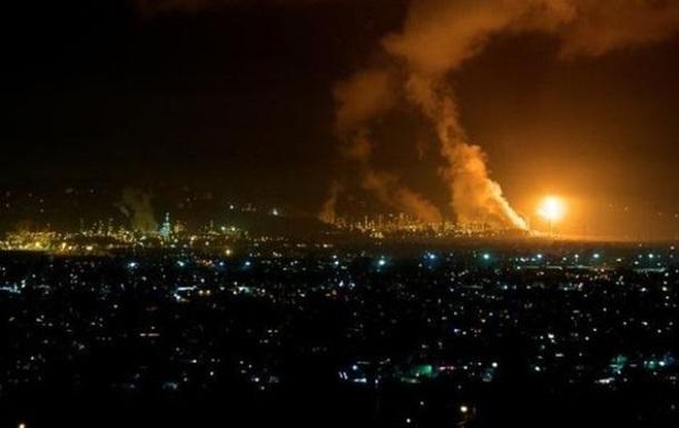 У США горить нафтопереробний завод Chevron