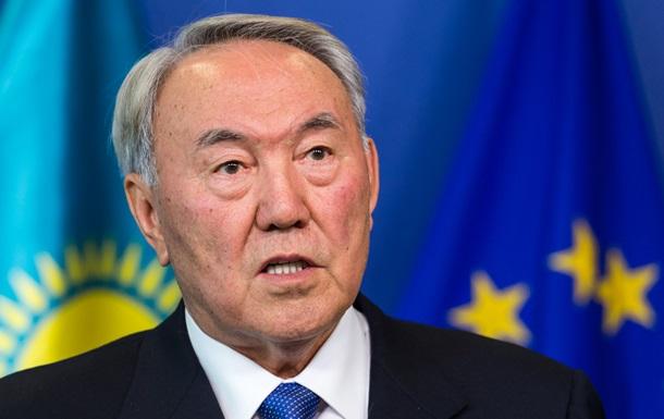 Назарбаев предложил помощь в урегулировании ситуации на Донбассе