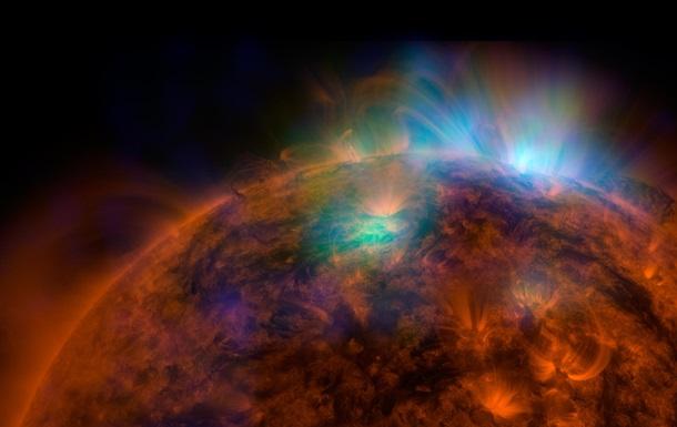Солнце в деталях и далекая галактика: NASA показала новые уникальные фото