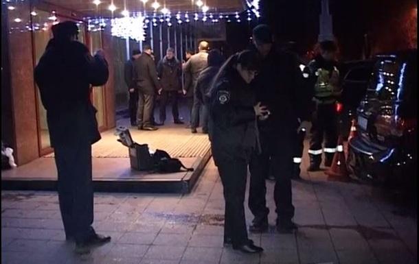 В центре Киева в депутатов бросили гранату