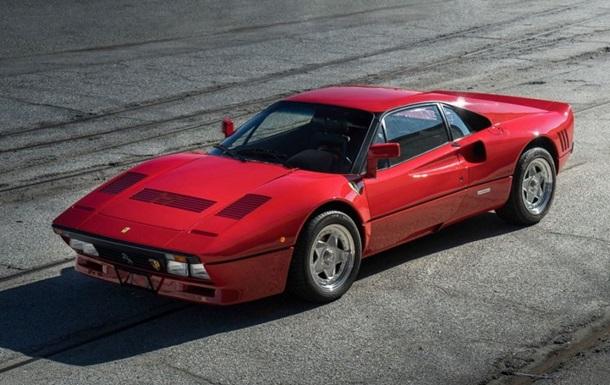 В США 30-летний Ferrari хотят продать за $2,5 млн
