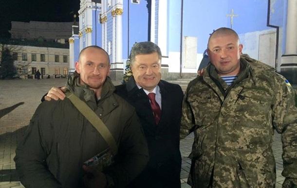 У новорічному зверненні Порошенко привітає українців із  кіборгами