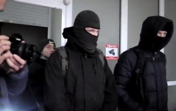 В Виннице  активисты  ворвались в офис фирмы, обвинив ее в работе на Россию