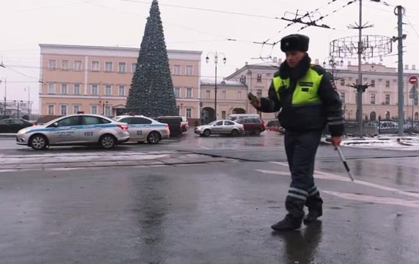Кліп російського МВС з поліцейськими, які танцюють, обговорюють в інтернеті