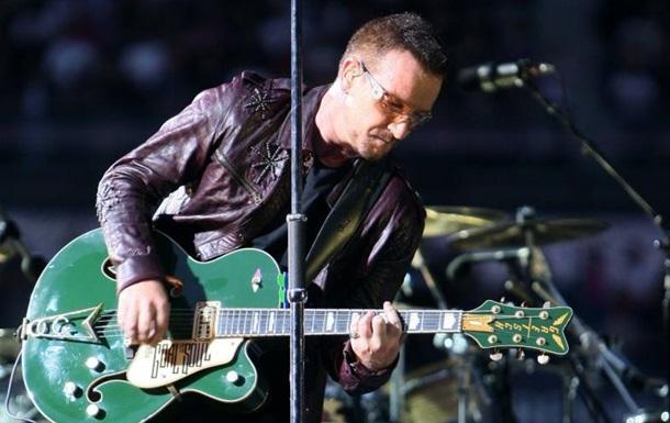 Лідер U2 Боно сумнівається, що зможе знову грати на гітарі