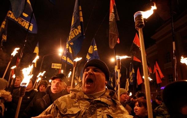 Президент Чехії порівняв смолоскипну ходу в Києві з гітлерівськими маршами