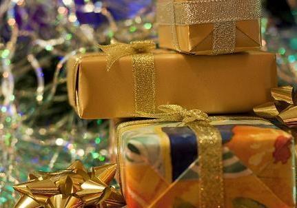Де і які новорічні подарунки можна придбати для колег.