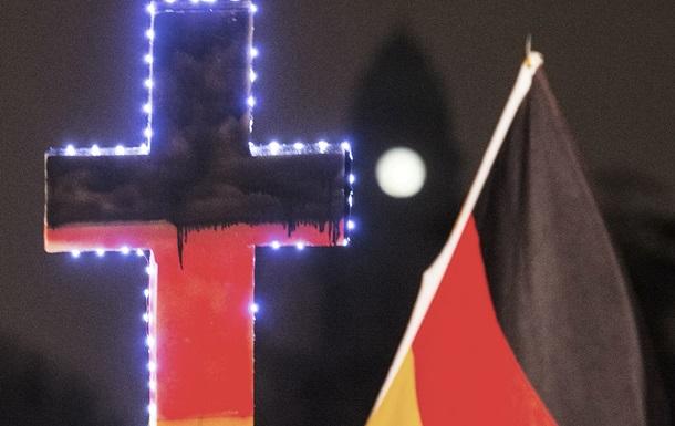 В немецком Дрездене 18 тысяч человек протестовали против исламизации