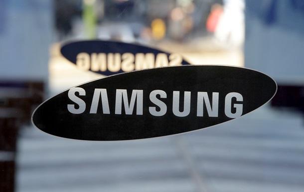 Доходы Samsung упали в полтора раза