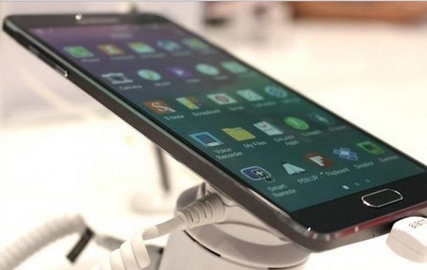 Тоньше, чем iPhone 6: Samsung представил свой самый тонкий смартфон