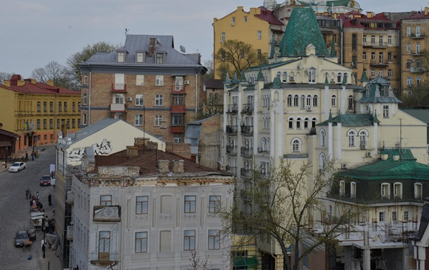 У Києві з кранів потече зелена вода
