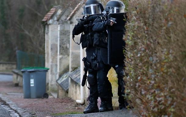 У Франції втретє за день захопили заручників - ЗМІ