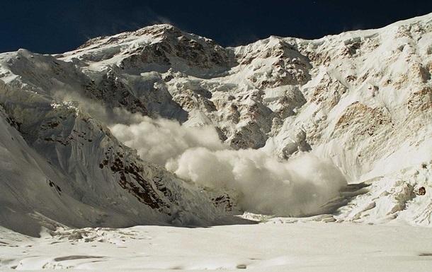 На Закарпатье сошли снежные лавины