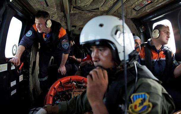 Сигнал  черных ящиков  самолета AirAsia зафиксировали три судна
