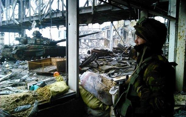 Из аэропорта Донецка эвакуировали шесть раненых бойцов