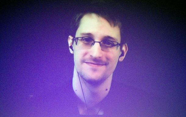 ФСБ намагалася завербувати Сноудена
