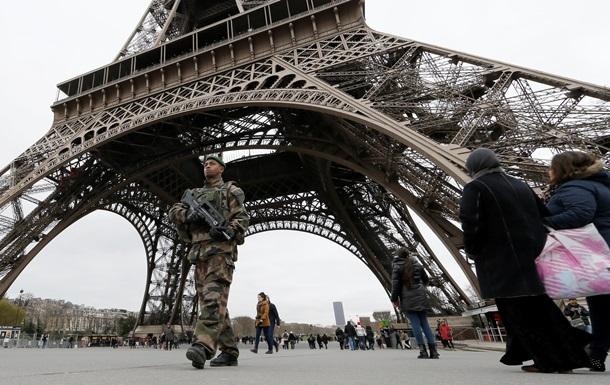 Сепаратисты обыскали  киборгов , а Charlie Hebdo расстреляли. Видео недели