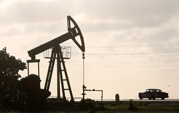 Ціни на нафту знижуються на тлі новин зі США