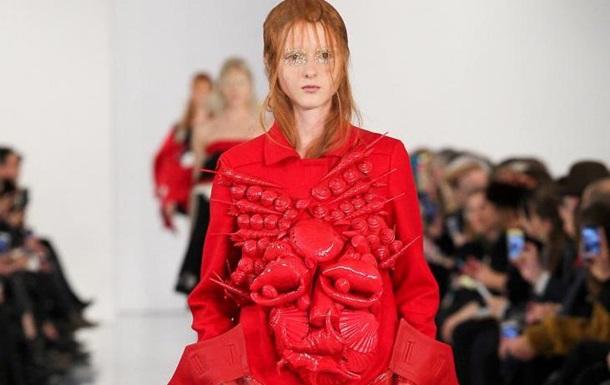 Гальяно показав першу колекцію одягу після чотирирічної перерви