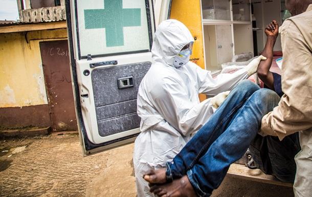 ВООЗ оновила дані щодо кількості померлих і тих, які заразилися Еболою