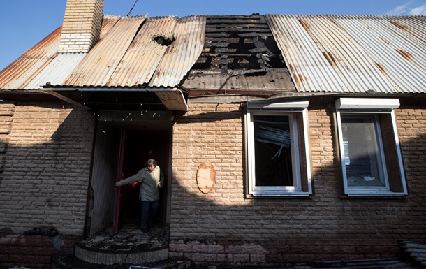 У Донецьку з ранку чутна канонада, дві людини поранені
