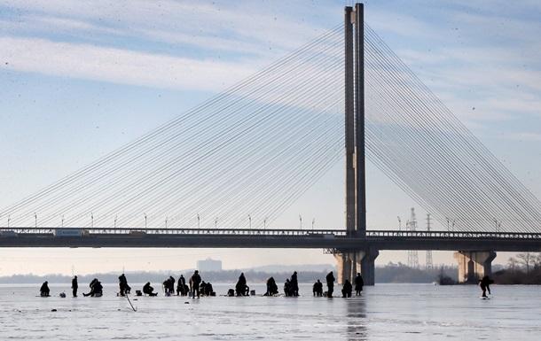 В Україні сьогодні очікуються дощі, місцями з мокрим снігом