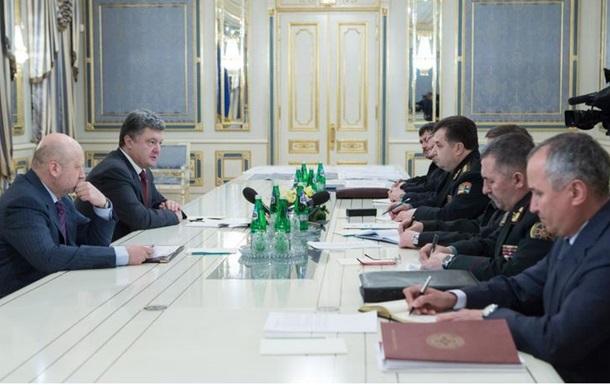 Сили АТО міцно утримують позиції на всій лінії фронту - Порошенко