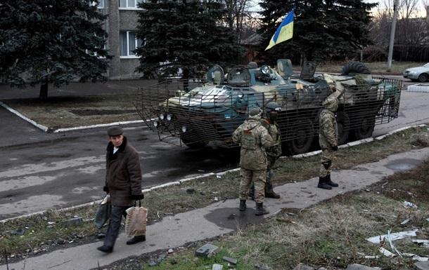 Силовики в Станице Луганской устраивают погромы и мародерствуют - СМИ