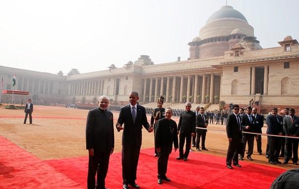 Обама впервые прилетел на День республики в Индию