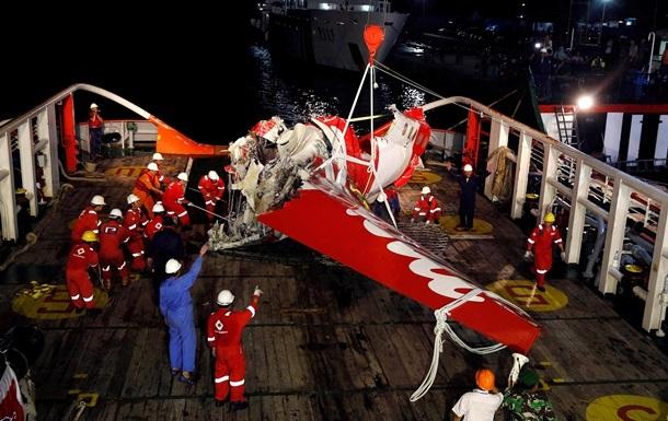 Рятувальники припинили операцію з пошуку загиблих літака AirAsia