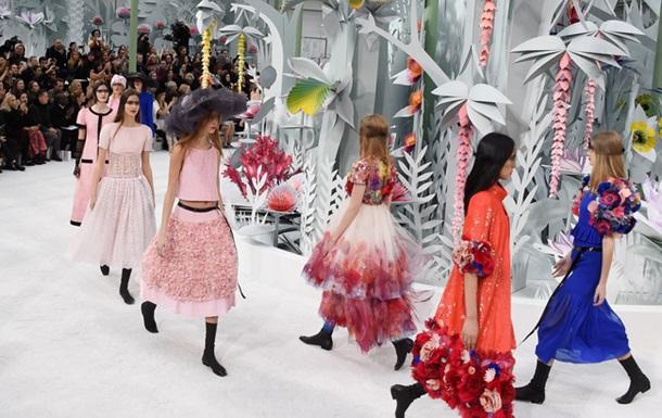 Тиждень моди в Парижі: Chanel представив  квіткову  колекцію