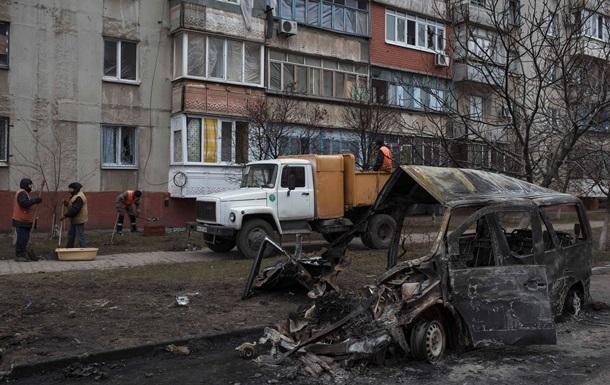 Киев отправляет гуманитарный груз в Мариуполь