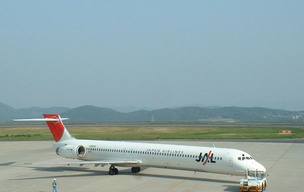 У США екстрено сів літак, через те, що пілот не зміг потрапити в кабіну