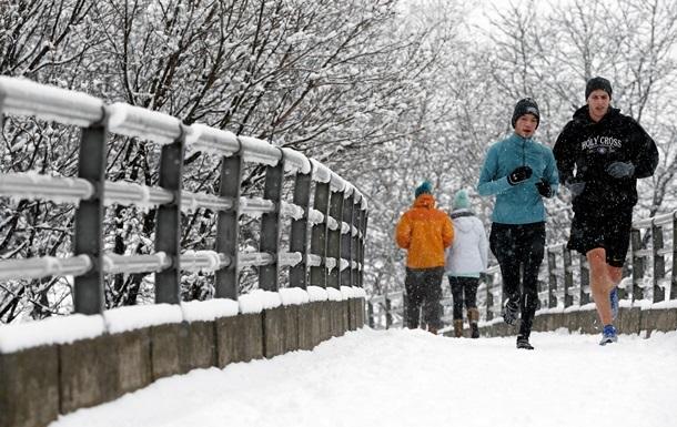 На Чикаго налетіла снігова буря